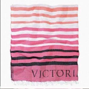NWT Victoria's Secret beach throw
